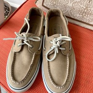 NWOB Sperry Top Sider Loafers sz9